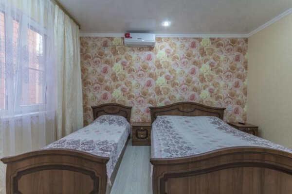 Гостевой дом Бриз 3 в Голубицкой